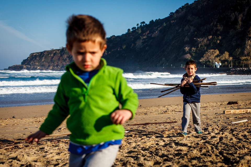 FOTOGRAFIA-INFANTIL-PLAYA-ZURRIOLA-6